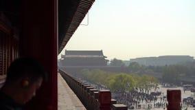 Steadicam die van een binnenste gedeelte van de Verboden stad wordt geschoten - oud paleis van de keizer van China stock videobeelden
