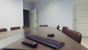 steadicam inre modernt kontor Släta rörelse tema för illustration för arkitekturaffärsmitt Kamera omkring stock video