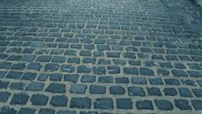 Steadicam sköt av forntida stads- trottoar video 4K lager videofilmer