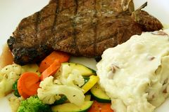 Steak And Vegetables Royalty Free Stock Image