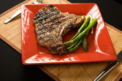 Steak and asparagus Royalty Free Stock Image