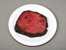 Steak au poivre d'une plaque Photo libre de droits