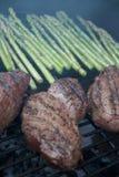 Steak auf dem Grill Lizenzfreie Stockbilder