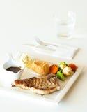 Steak auf Weiß Stockbild