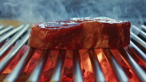 Steak gegrilltes Rindfleischsteak stock video footage