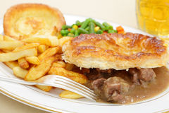 Steak and kidney pie meal Stock Photos