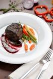 Steak mit Gemüse Stockbilder