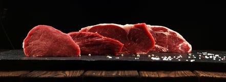 Steak roh Grillen Sie Rib Eye Steak, trockenes gealtertes Wagyu-Mittelrippe vom Rind-Steak lizenzfreie stockfotos