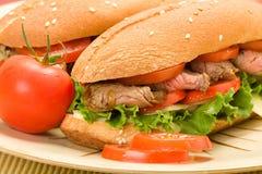 Steak-Sandwiche auf Platte stockfotografie