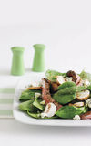 Steak, spinach and mushroom salad Royalty Free Stock Photos