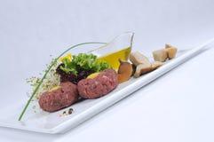 Steak tatare der Rindfleischverkleidung Stockfotografie