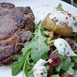 Steak und Kartoffel stockbild