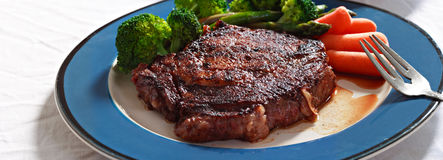 Steak with veggies Royalty Free Stock Images