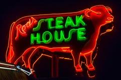 Steakhouse van de staaf, Neonteken Route 66 stock afbeelding