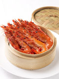 Steam prawns in bamboo steamer Stock Photography
