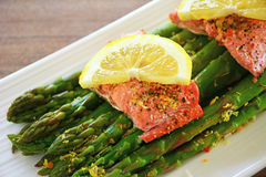 Steamed salmon and asparagus Royalty Free Stock Photography