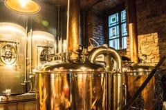 Steampunk样式啤酒啤酒厂水壶 库存照片