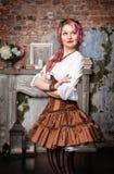 风吹女人的裙子的图片
