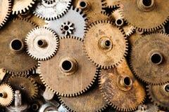 Steampunk adapta el fondo El reloj mecánico envejecido rueda el primer Profundidad del campo baja, foco suave fotos de archivo