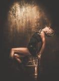 Steampunk dziewczyna na baryłce fotografia royalty free