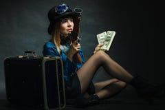 Steampunk flicka med kassa arkivbilder