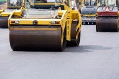 Steamroller przy drogowymi naprawianie pracami Fotografia Stock