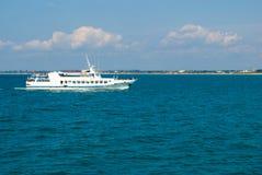 Steamship em uma amarração Foto de Stock