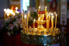 Stearinljus av det gula vaxet Royaltyfri Fotografi