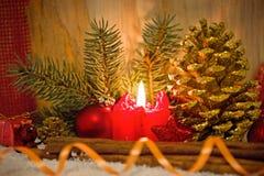 Stearinljus för Advent för julgarneringund Fotografering för Bildbyråer