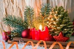 Stearinljus för Advent för julgarneringund Royaltyfri Foto