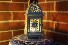Stearinljus för Boho dekorlykta n Arkivfoton
