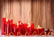 Stearinljus för fyra röd jul för advent Arkivfoton