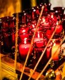 Stearinljus för helgonLouis Basilica Side Altar Red bön Royaltyfri Fotografi