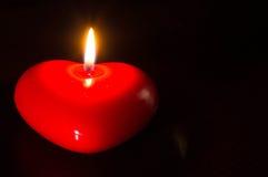 Stearinljus i form av hjärta Royaltyfria Bilder