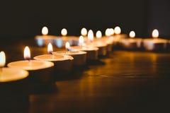 Stearinljus i form av korset Royaltyfri Bild