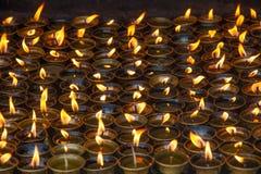 Stearinljus i kloster Royaltyfri Bild