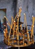 Stearinljus i kyrkan Royaltyfri Bild