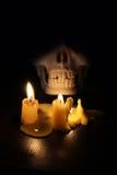Stearinljus i mörkret Royaltyfria Bilder