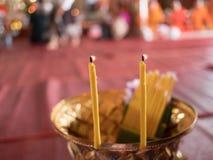 Stearinljus i tempel Royaltyfri Foto