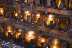 stearinljus kyrka Arkivfoto