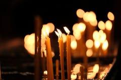 stearinljus kyrka Arkivbilder