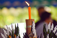 Stearinljus ljus begreppsmässig religionhändelseceremoni Arkivbild