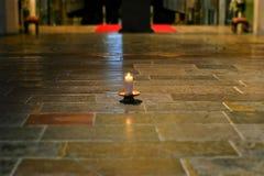 Stearinljus på golvet Royaltyfri Foto