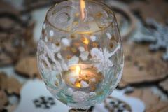 stearinljuset bränner i ett exponeringsglas Royaltyfria Foton