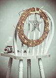 stearinljuset och glass bollar med sprucen fattar Royaltyfri Fotografi