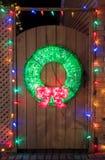 stearinljuset och glass bollar med sprucen fattar Royaltyfria Foton