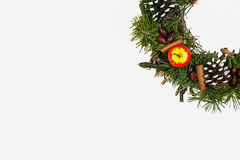 stearinljuset och glass bollar med sprucen fattar Royaltyfria Bilder