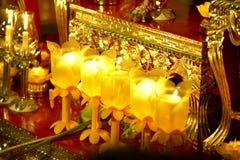 Stearinljuset tänd thai kultur går i den Asalha Puja dagen, den Magha Puja dagen, Visakha Puja Day royaltyfri bild