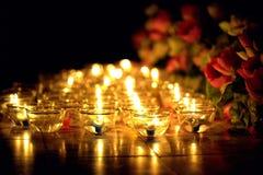 Stearinljuset tände thai kultur i den Asalha Puja dagen, den Magha Puja dagen, Visakha Puja Day royaltyfri fotografi