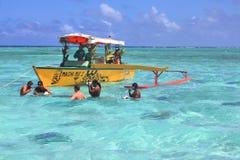 Stechrochen, der in Bora Bora fing ist stockbilder